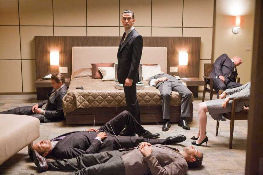 (Clockwise from TOP left) LEONARDO DiCAPRIO as Cobb, JOSEPH GORDON-LEVITT as Arthur, CILLIAN MURPHY as Robert Fischer, TOM BERENGER as Browning, ELLEN PAGE as Ariadne, TOM HARDY as Eames, and KEN WATANABE as Saito in Warner Bros. PicturesÕ and Legendary PicturesÕ sci-fi action film ÒINCEPTION,Ó a Warner Bros. Pictures release.